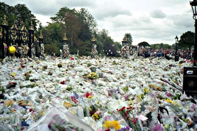 Former Bodyguard Reveals Who He Thinks Killed Princess Diana 1280px Flowers for Princess Dianas Funeral 640x426