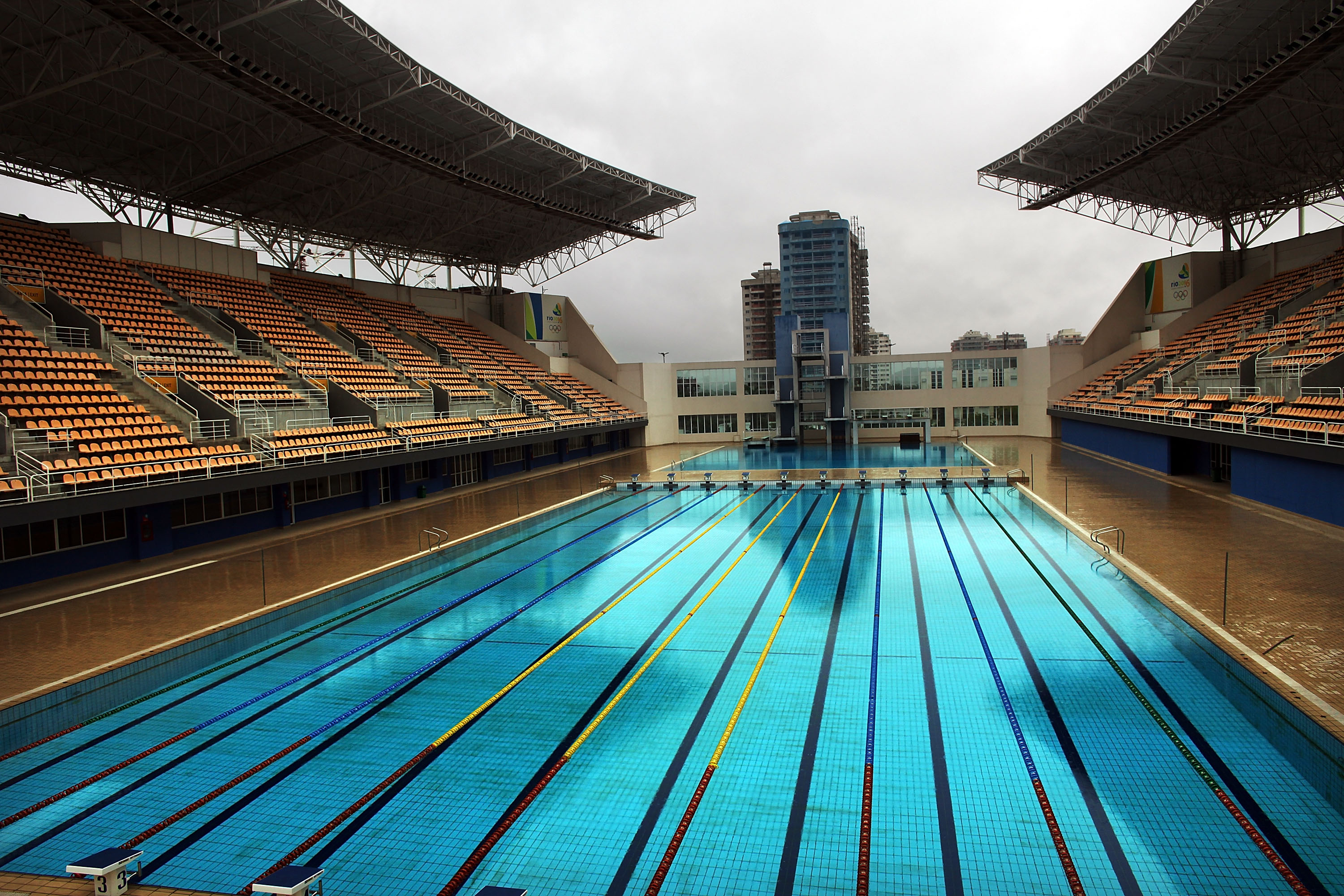 There 39 s a massive conspiracy theory about the rio olympic pool - Olympic swimming pool lanes ...