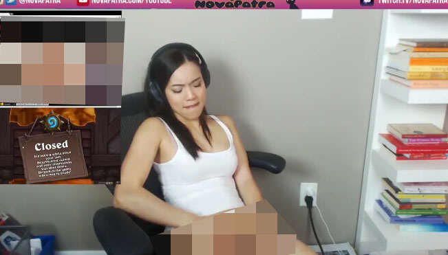 afafaf Gamer Girl Accidentally Caught Masturbating On Live Stream