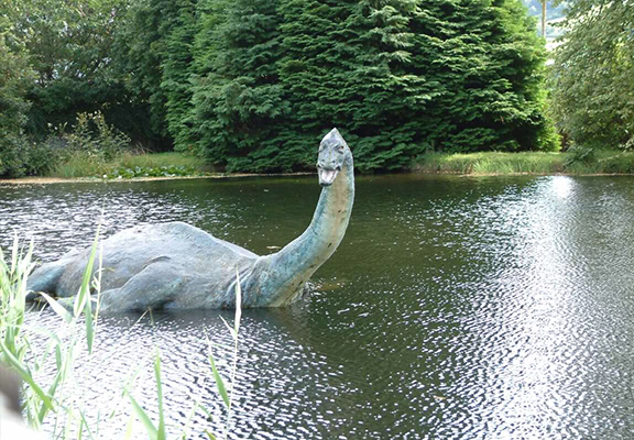 New Tourist Photos Of The Loch Ness Monster Emerge