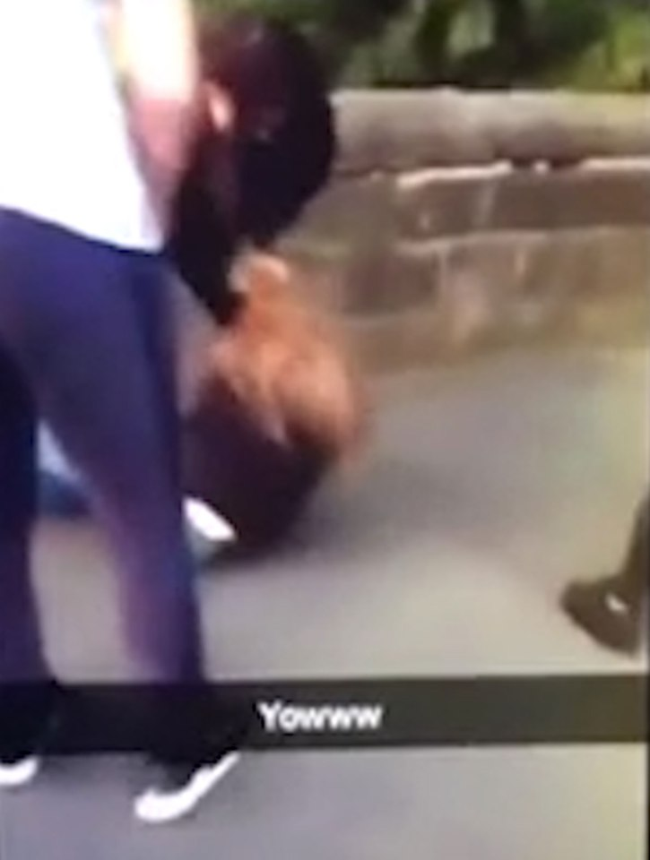 nintchdbpict000260344575 Brutal Snapchat Footage Shows Girl Beaten By Other Girls For No Reason