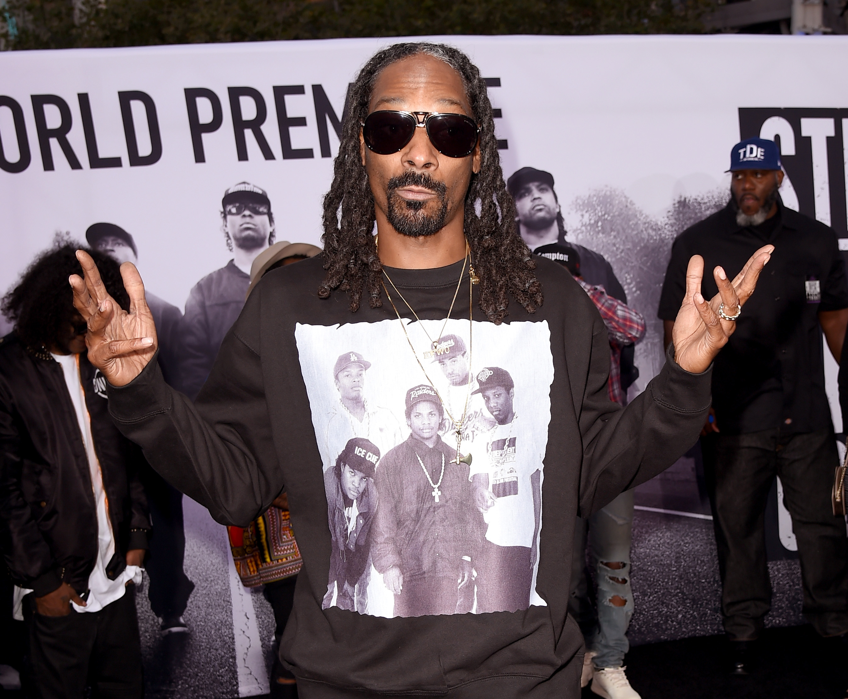 GettyImages 483633218 Woman Gets Random Voicemail From Snoop Dogg, Things Quickly Turn Heated