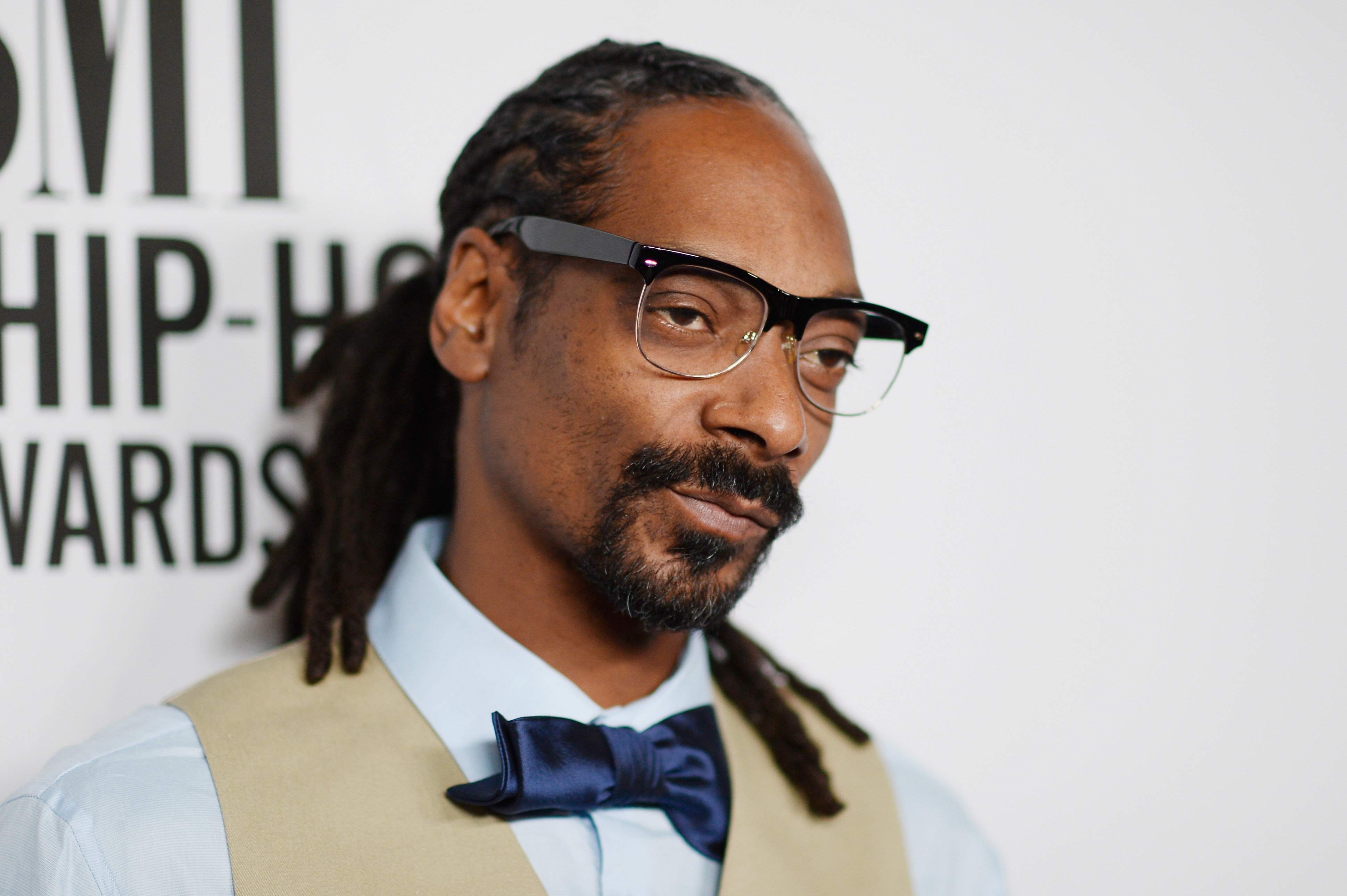 GettyImages 485631964 Woman Gets Random Voicemail From Snoop Dogg, Things Quickly Turn Heated