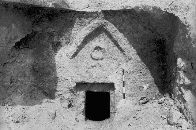 GettyImages 73424950 1 640x426 Geologist Claims To Have Found Jesuss Tomb, Heres What It Looks Like