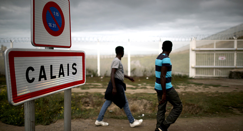 calcal UK To Build 13 Foot Wall To Contain Migrants In Calais