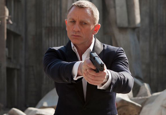 Daniel Craig Has Been Offered Sh*t Ton Of Money To Return As James Bond
