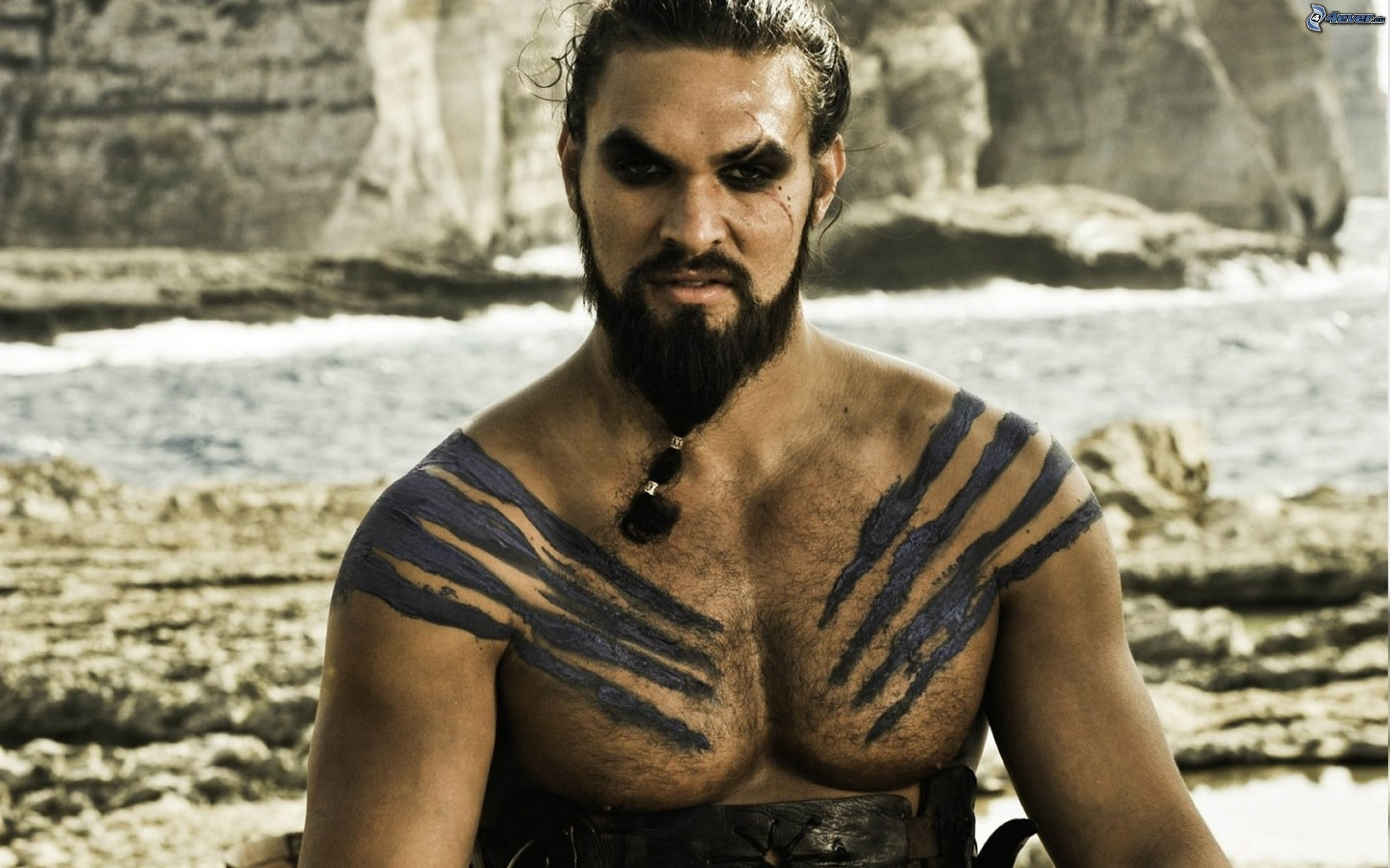 khal drogo jason momoa New Photo Fuels Proof Khal Drogo Could Be Back In Game Of Thrones