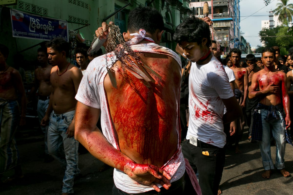 Ashura Festival Of Flagellation Shows The Extremes Of Religious Devotion 12452UNILAD imageoptim GettyImages 156923319