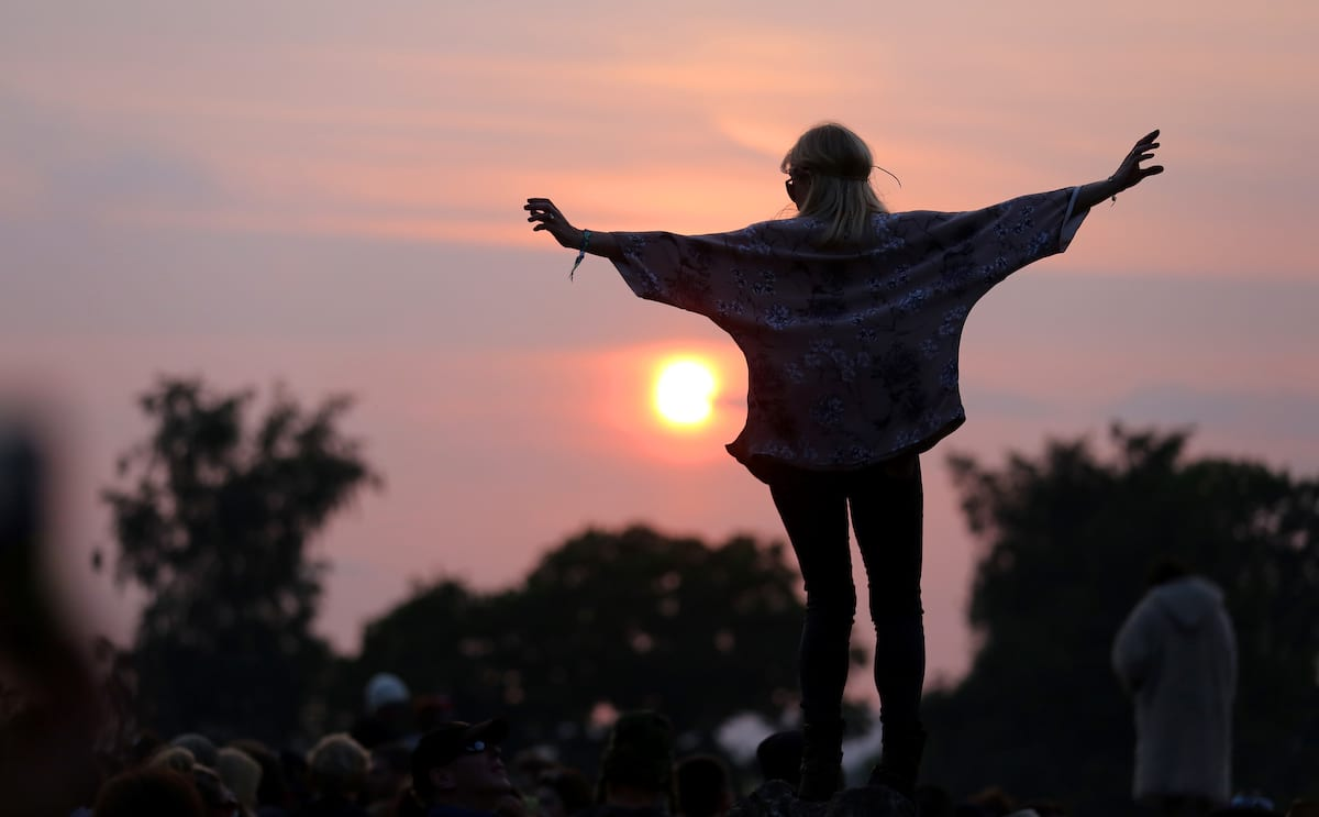 12958UNILAD imageoptim GettyImages 171606433 Heres Exactly What You Need To Do To Get Glasto Tickets Tomorrow