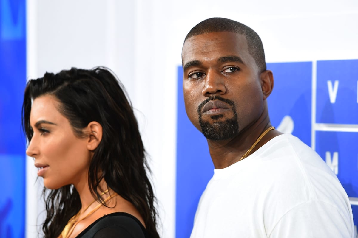 Theres Some Crazy Conspiracies Surrounding Kim Kardashians Robbery 23097UNILAD imageoptim wsi imageoptim GettyImages 597564834 1