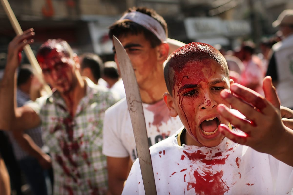 Ashura Festival Of Flagellation Shows The Extremes Of Religious Devotion 24815UNILAD imageoptim GettyImages 187987402