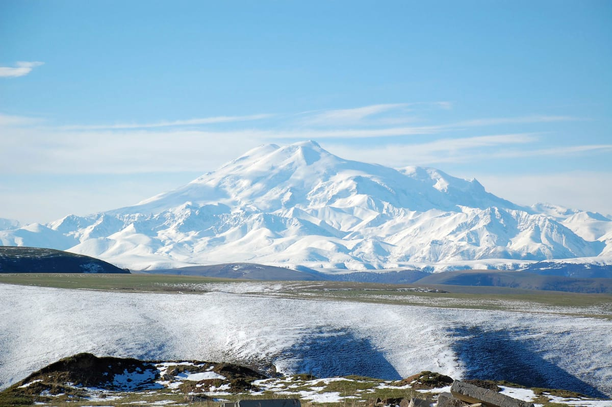 3684UNILAD imageoptim snow capped mount elbrus highest point in russia These Are The Cheapest Far Flung Places To Go Travelling