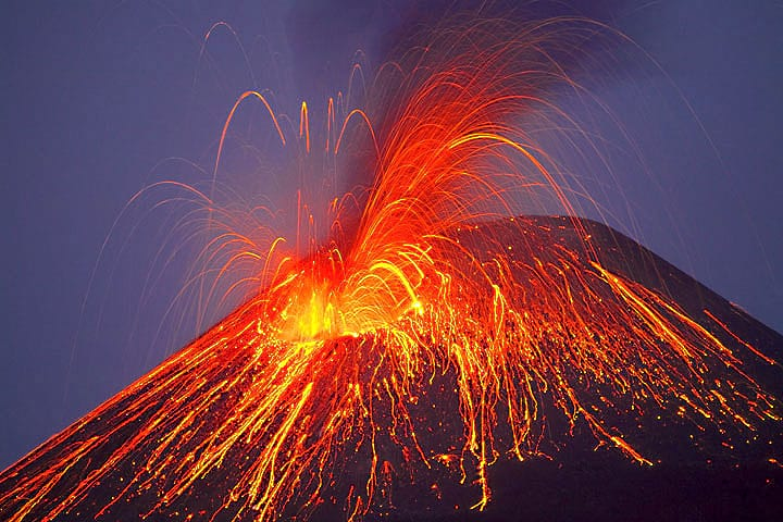 4080UNILAD imageoptim 5127279893 8de7bc35fc b 100 Earthquakes In Tenerife Spark Fears Of Super Volcano Eruption