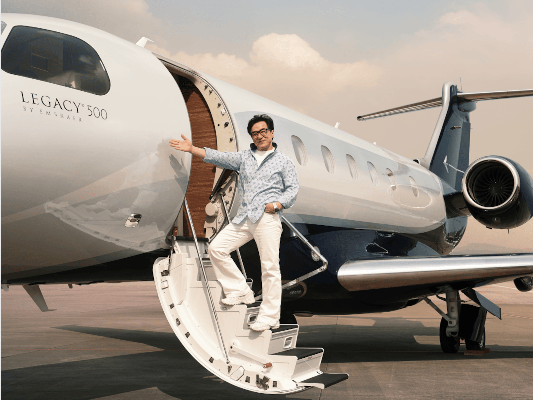 45705UNILAD imageoptim with the legacy 500 jackie gets a more advanced jet than his current 650 Jackie Chan Has An Absolutely Amazing New Private Jet