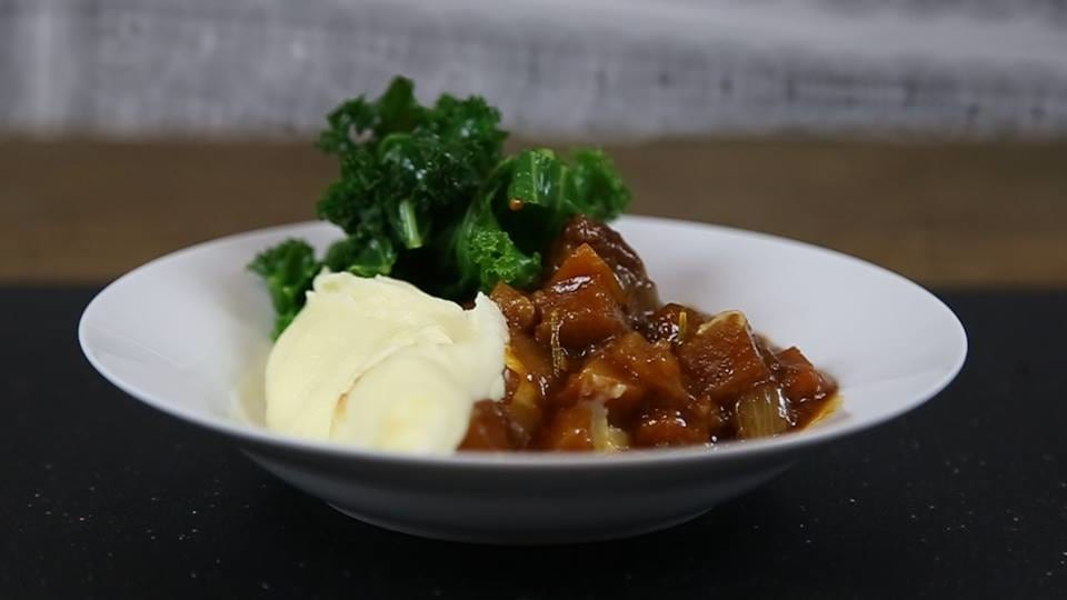 49116UNILAD imageoptim beefstew Heres How To Make A Delicious Slow Cooked Beef And Ale Stew