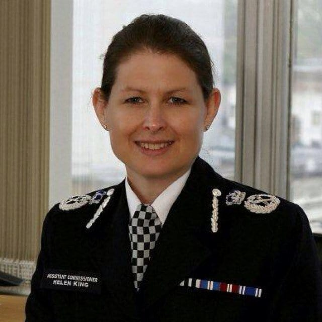 10190UNILAD imageoptim helen king Police Officer Fired For Sexually Assaulting Underage Rape Victim
