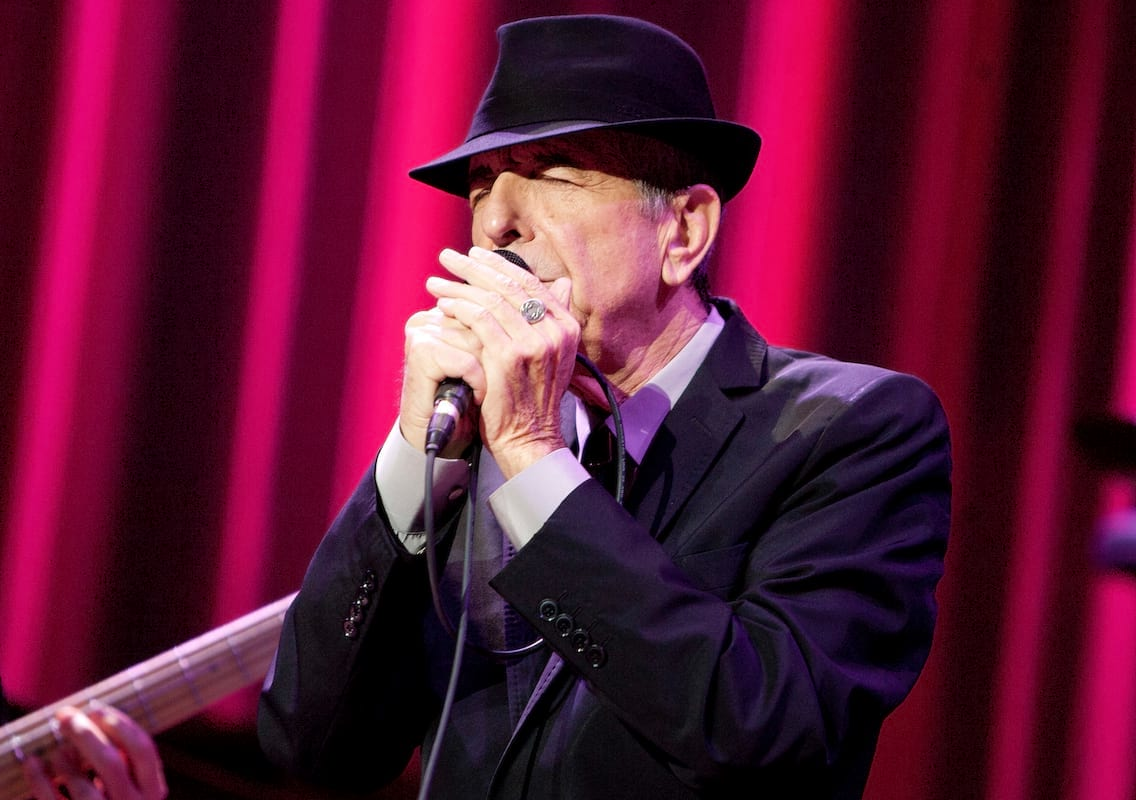 12648UNILAD imageoptim Leonard Cohen getty Watch A 1500 Strong Choir Sing Leonard Cohens Hallelujah