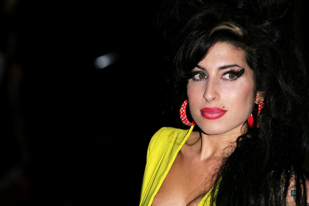 30290UNILAD imageoptim Amy Winehouse The Haunting Last Tweets Celebrities Sent Before They Died
