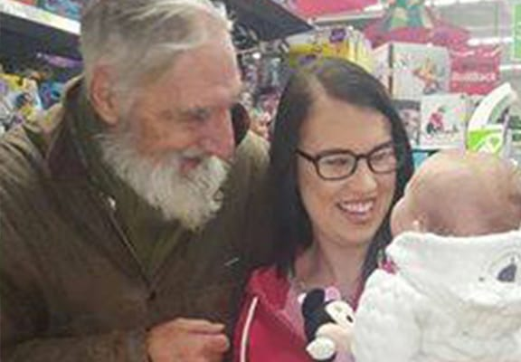 Stranger Perfectly Channels The Spirit Of Father Christmas With Heartwarming Gift
