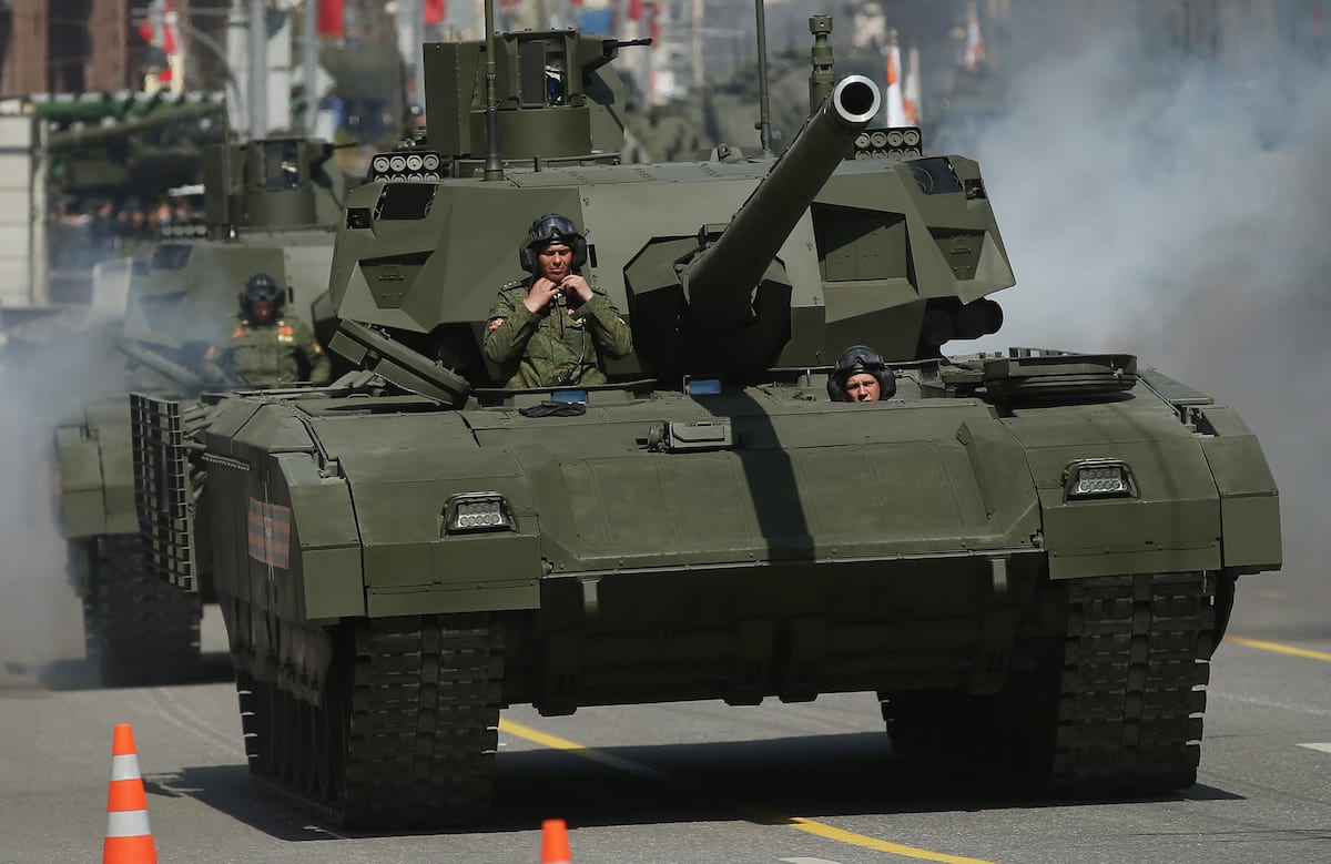 39761UNILAD imageoptim GettyImages 472754702 Leaked Documents Show UK Military Is Terrified Of New Russian Tanks
