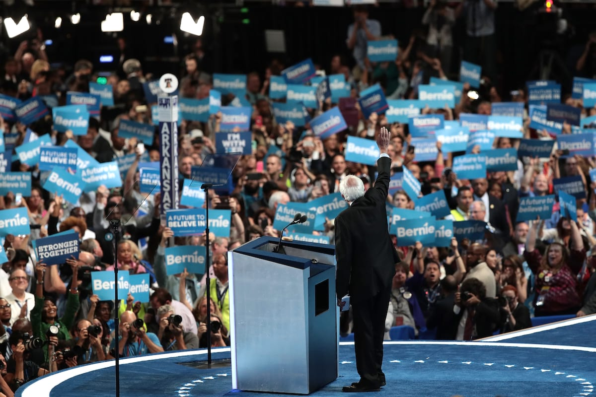 41858UNILAD imageoptim GettyImages 580962078 Bernie Sanders Could Run For President In 2020