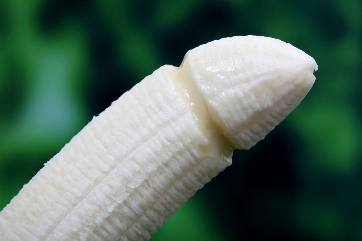 5017UNILAD imageoptim banana 1238713 1920 There Are Truly Horrific Reasons Not To Try Penis Enlargement Pills
