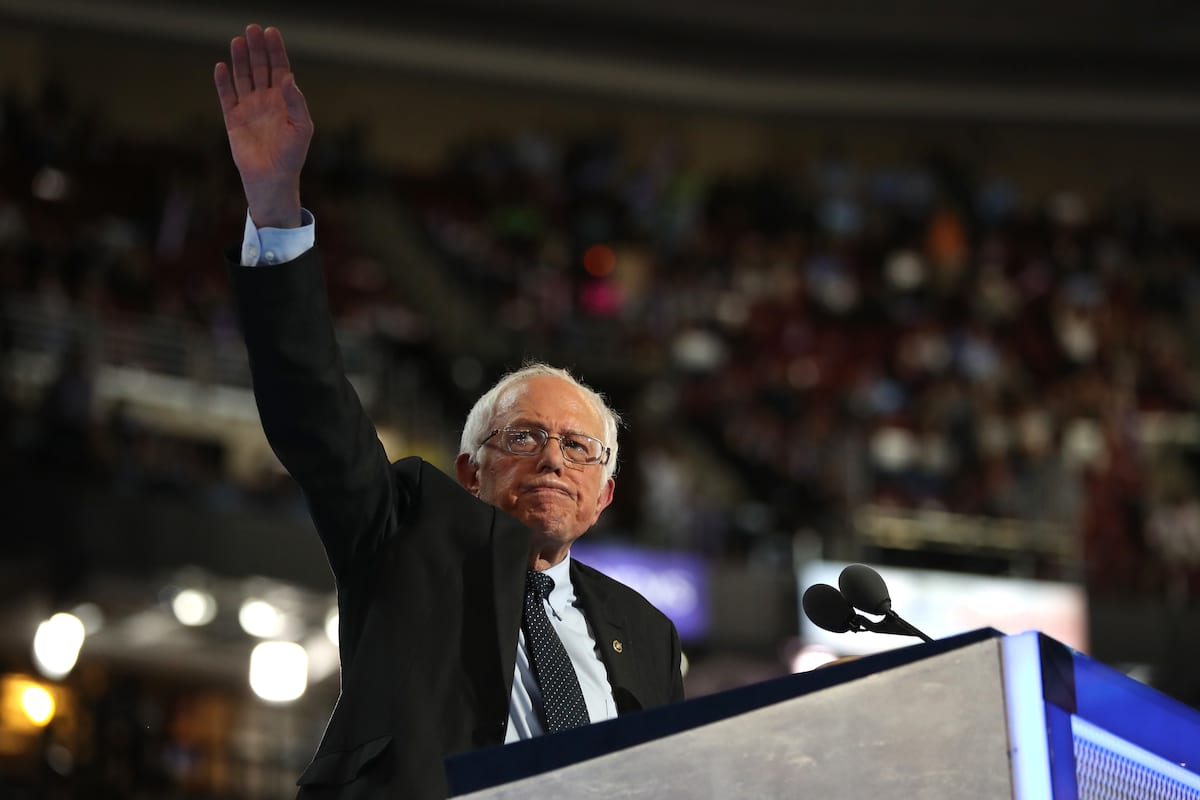 54194UNILAD imageoptim GettyImages 580962476 Bernie Sanders Could Run For President In 2020