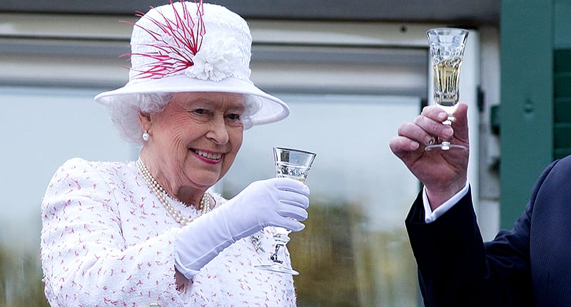 55489UNILAD imageoptim queen spending food drink Heres How Much The Queen Spends On Food And Drink