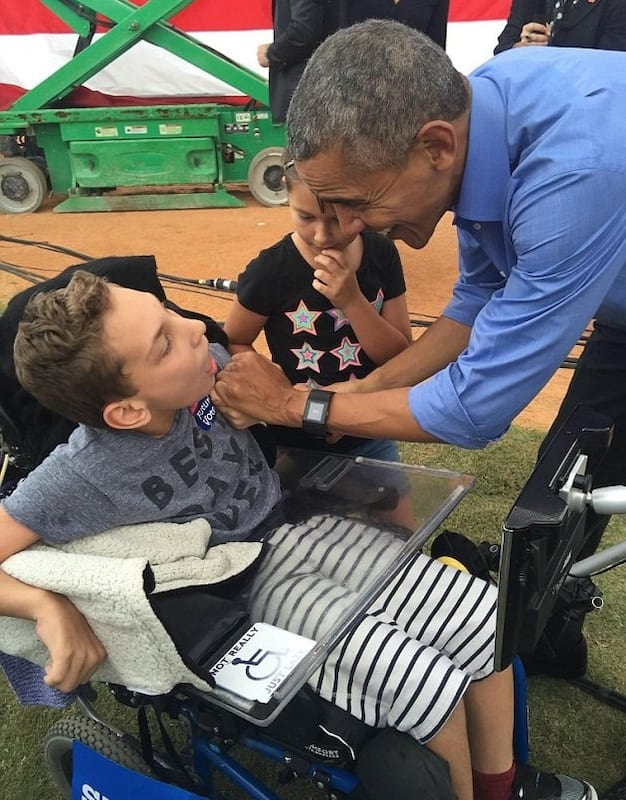 57141UNILAD imageoptim obam Obama Makes Dream Come True For Disabled Child Kicked Out Of Trump Rally