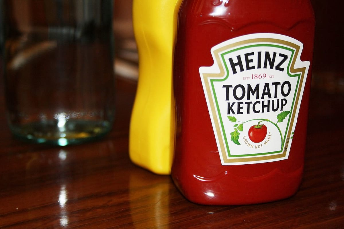 58718UNILAD imageoptim Hard Rock Cafe Florence   Food and Drinks   Heinz Tomato Ketchup This Is Why Tomato Sauce Is Called Ketchup
