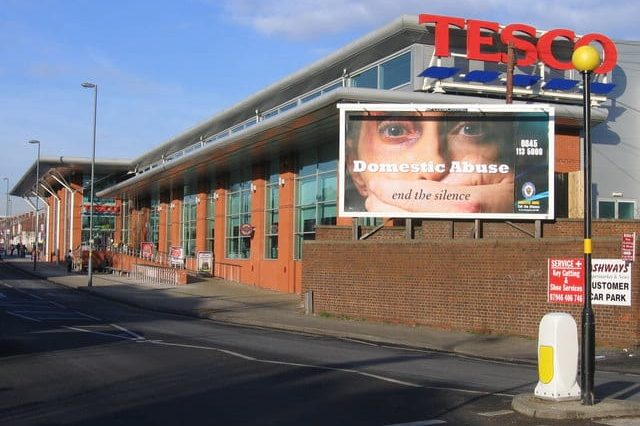 Hero Tesco Employees Rescue Son After He Was Kidnapped From Car 60720UNILAD imageoptim 1110616 133c3c14 640x426