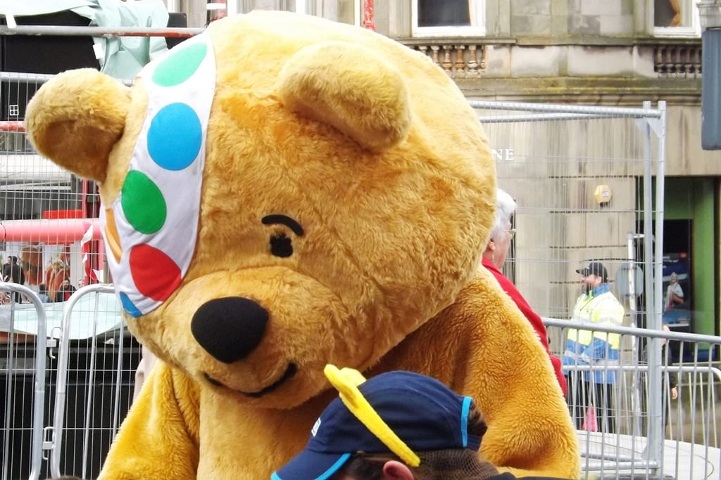64804UNILAD imageoptim pudsey2 Pudsey The Bear Pictured With Young Girl With His D*ck Out