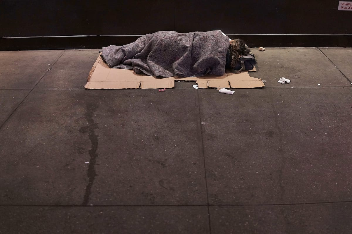 21534UNILAD imageoptim GettyImages 453989512 This Is What Its Like To Be Homeless At Christmas