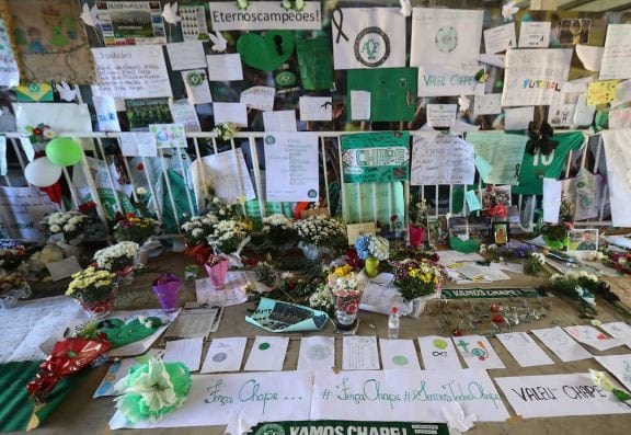 100,000 People Came To Welcome The Chapecoense Team's Coffins Home