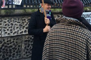 Sir Ian McKellen's Women's March Sign Was A Hilarious Meme