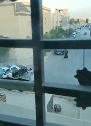 Hero Police Officer Shoots Two Dead ISIS Terrorists Armed With Suicide Belt 15527UNILAD imageoptim 3BEEA32800000578 4097998 image m 9 1483823713848 306x426