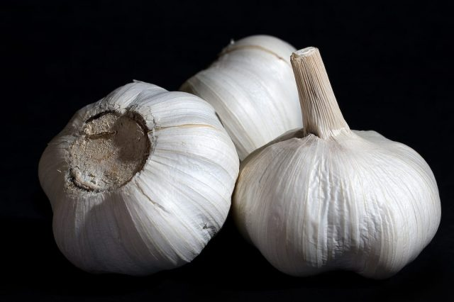 Here's The Best Way To Eliminate Garlic Breath