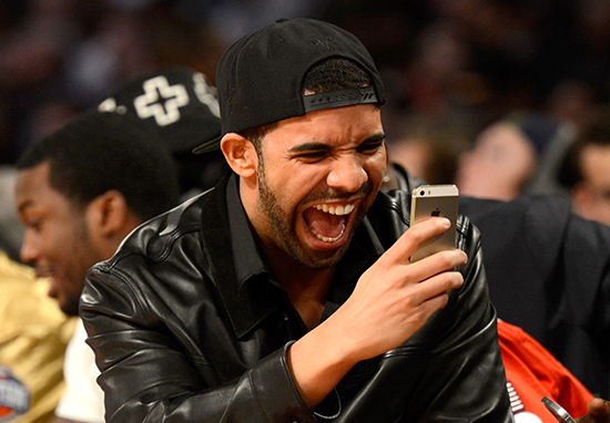 Here's What Happens When A 21-Year-Old Slides Into Drake's DMs